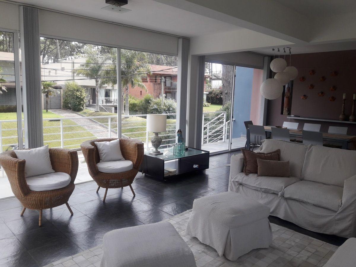 venta y alquiler decasa en montoya para pasar unas lindas vacaciones, son 4 dormitorios , amplias terrazas y parrillero propio.  - pmi211927c