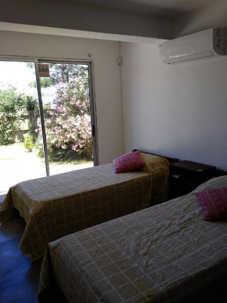 Casa ID.211128 - EXCELENTE OPORTUNIDAD EN MANANTIALES, VENTA DE CASA DE 3 DORMITORIOS Y TRES BAÑOS