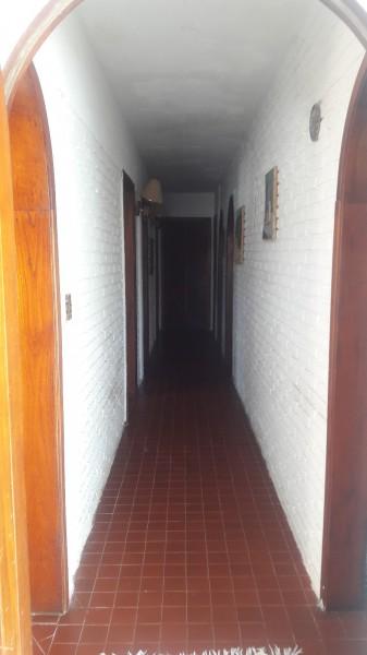 Casa ID.212122 - EXCELENTE UBICACION PARA VIVIR TODO EL AÑO! CASA EN VENTA ZONA DE PLAYA MANSA CERCA DE LA PLAYA