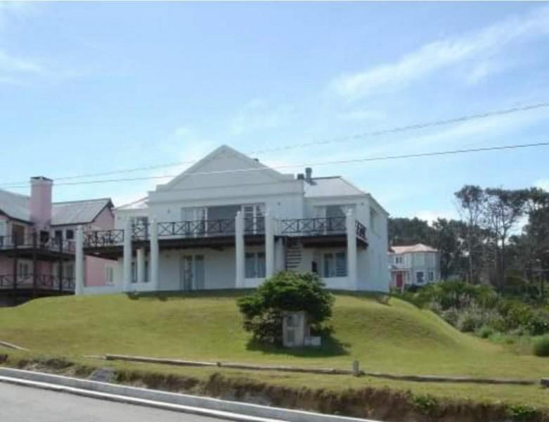 Casa ID.212178 - Enorme casa en Montoya a una cuadra de la playa