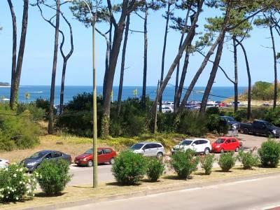 Apartamento en Playa Mansa - Punta del Este