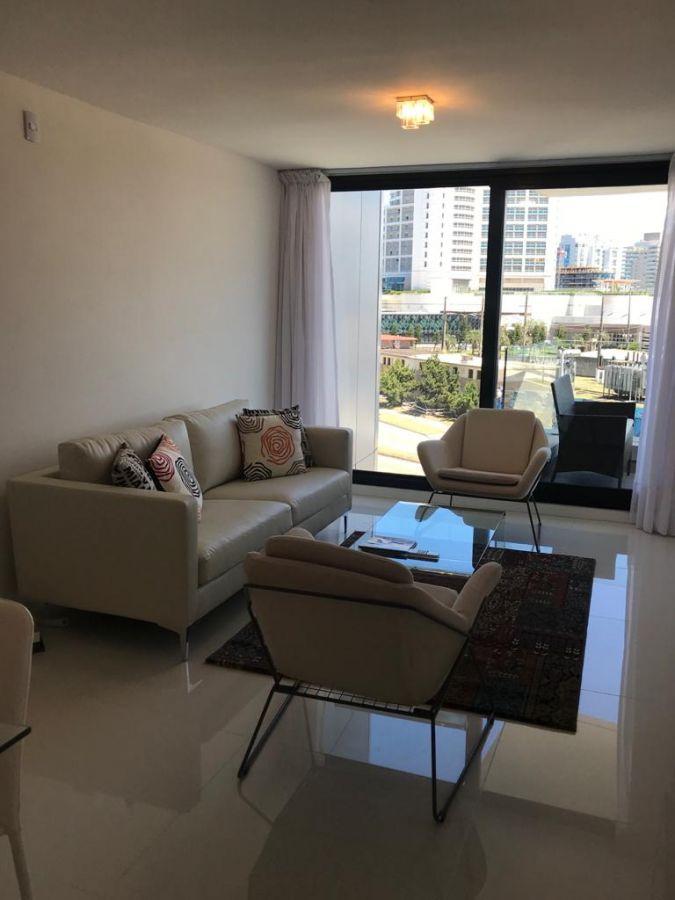 Apartamento ID.292132 - Fácil acceso a Peninsula, playa brava, playa mansa y Punta Shopping