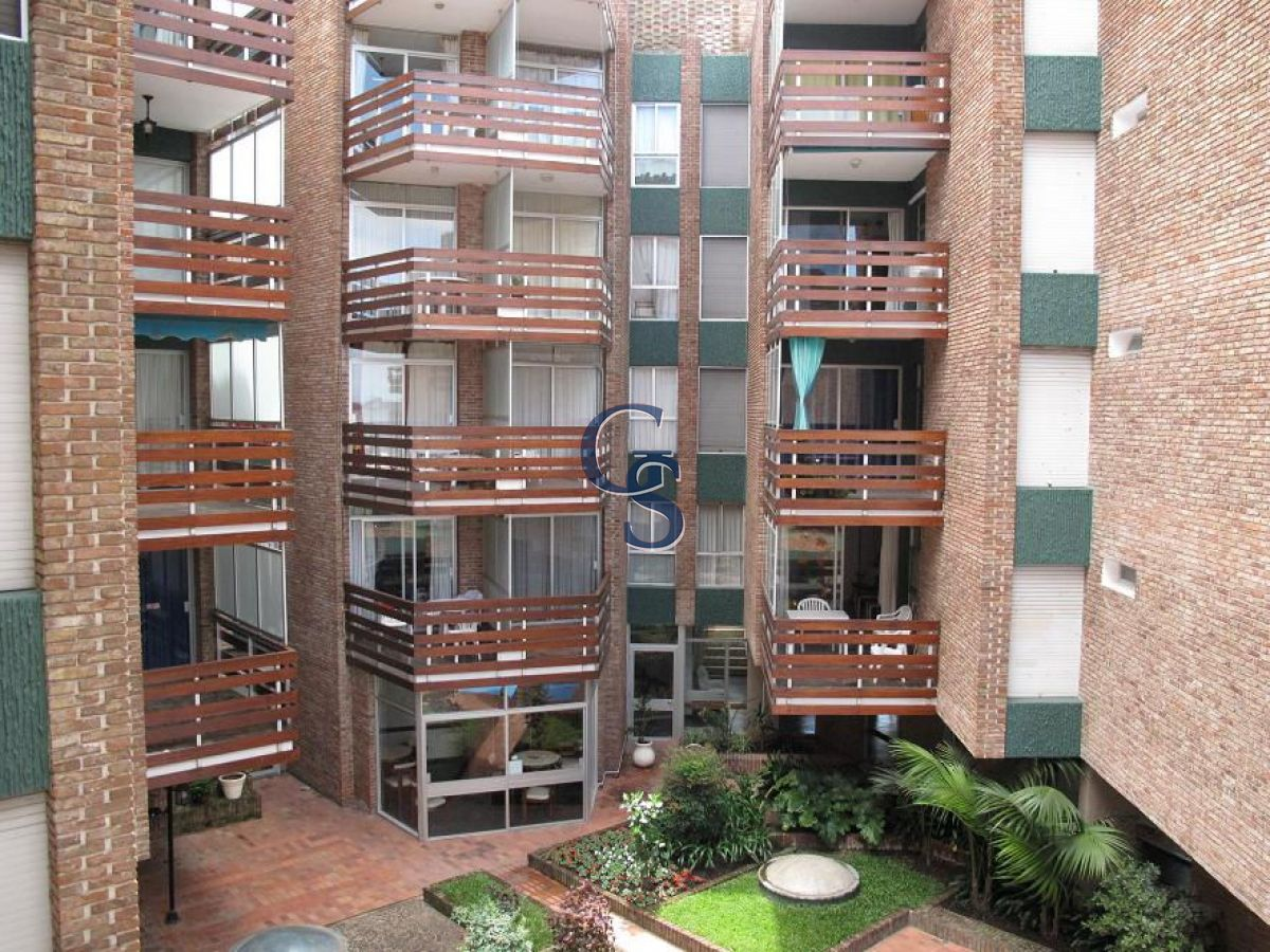 Apartamento ID.653 - Frente a Playa Mansa