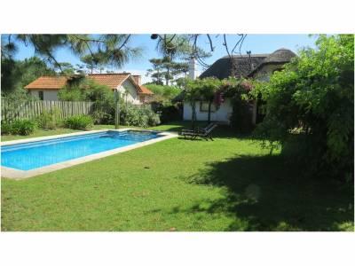 Casa en Portezuelo 2 dormitorios, dependencia, piscina