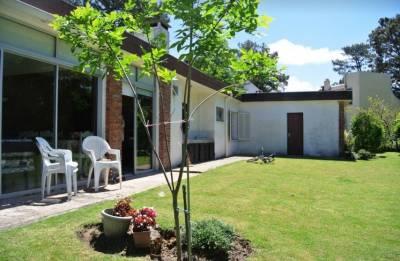 Casa de 4 dormitorios en Venta en Punta del Este, Pinares