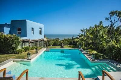 casa obre el chorro , excelentes vistas a la playa desde todos sus ambientes