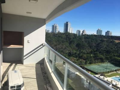 Apartamento de 1 dormitorio en venta en Punta del Este, zona de playa Brava