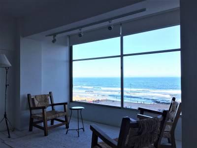 Apartamento en venta y alquiler de temporada en Punta del Este, Península, frente al mar