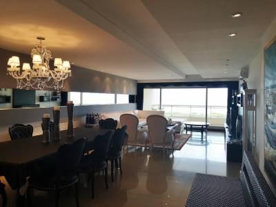 Venta y alquiler de temporada de Apartamento con vista a Playa Brava*3 dormitorios