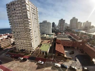 Venta de Apartamento en Punta del Este , Península, Espectacular unidad al frente!, vista despejada, muy luminoso!