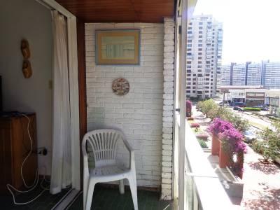 Apartamento en Venta en Punta del Este,  a metros de playa brava!, Precio Rebajado!!, posibilidad de financiar, 1 dormitorio y medio