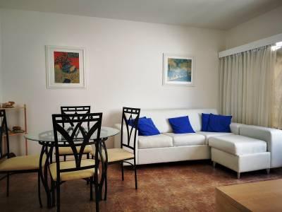 Venta  de Apartamento en Península, Punta del Este, 2 dormitorios. próximo a la playa y centro
