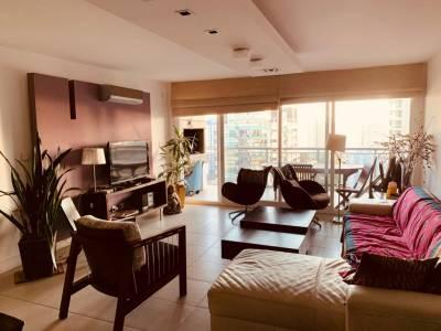Venta Apartamento de 3 dormitorio, 2 baños, 1 suite, garaje. Edificio con servicios
