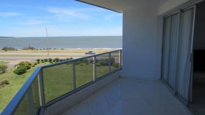 Apartamento en Punta del Este, frente al mar
