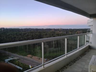 APARTAMENTO en PUNTA DEL ESTE, zona BRAVA
