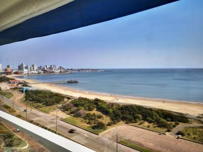 Venta y Alquiler de Apartamento en Punta del Este, Espectacular vista en 1era línea frente a playa mansa