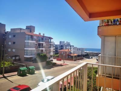 Venta de Apartamento en Punta del Este, Excelente opción!!! 1 dormitorio, con terraza, piscina, muy linda vista