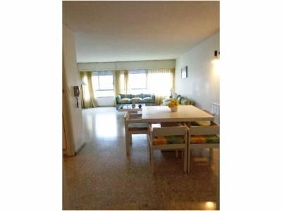 Apartamento en Venta en Punta del Este, Península, muy bien ubicado con servicios  2 dormitorios