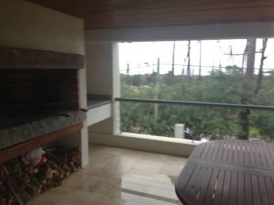 Apartamento de 3 dormitorios en venta en Punta del Este, Mansa
