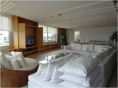 Venta de Apartamento en Punta del Este, primera línea frente a playa brava, espectacular vista!