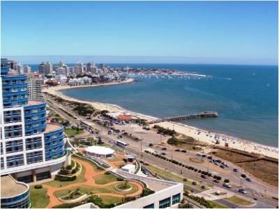 VENTA O ALQUILER TEMPORAL Apartamento en Punta del Este, Zona playa Mansa, al lado de Conrad  Enjoy