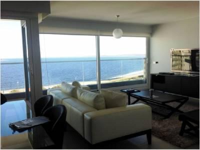 Alquiler y venta de Apartamento en Punta del Este, Espectacular ubicación, Torre con todos los servicios