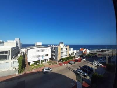Venta de apartamento en Punta del Este, Península a pasos del puerto.