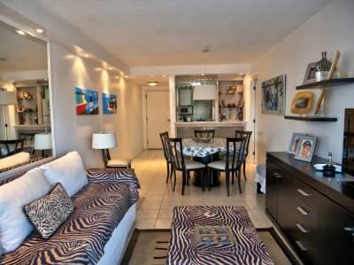 Apartamento en Venta y Alquiler en  Punta del Este,  cerca de playa brava, con muy buena orientación