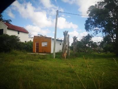 Terreno en Uruguay,  antes de José Ignacio, zona de Santa Mónica, con mejoras