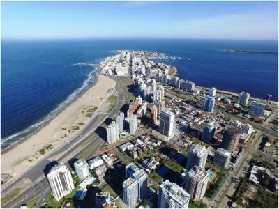 Apartamento en Venta y Alquiler en  Punta del Este, zona brava-mansa
