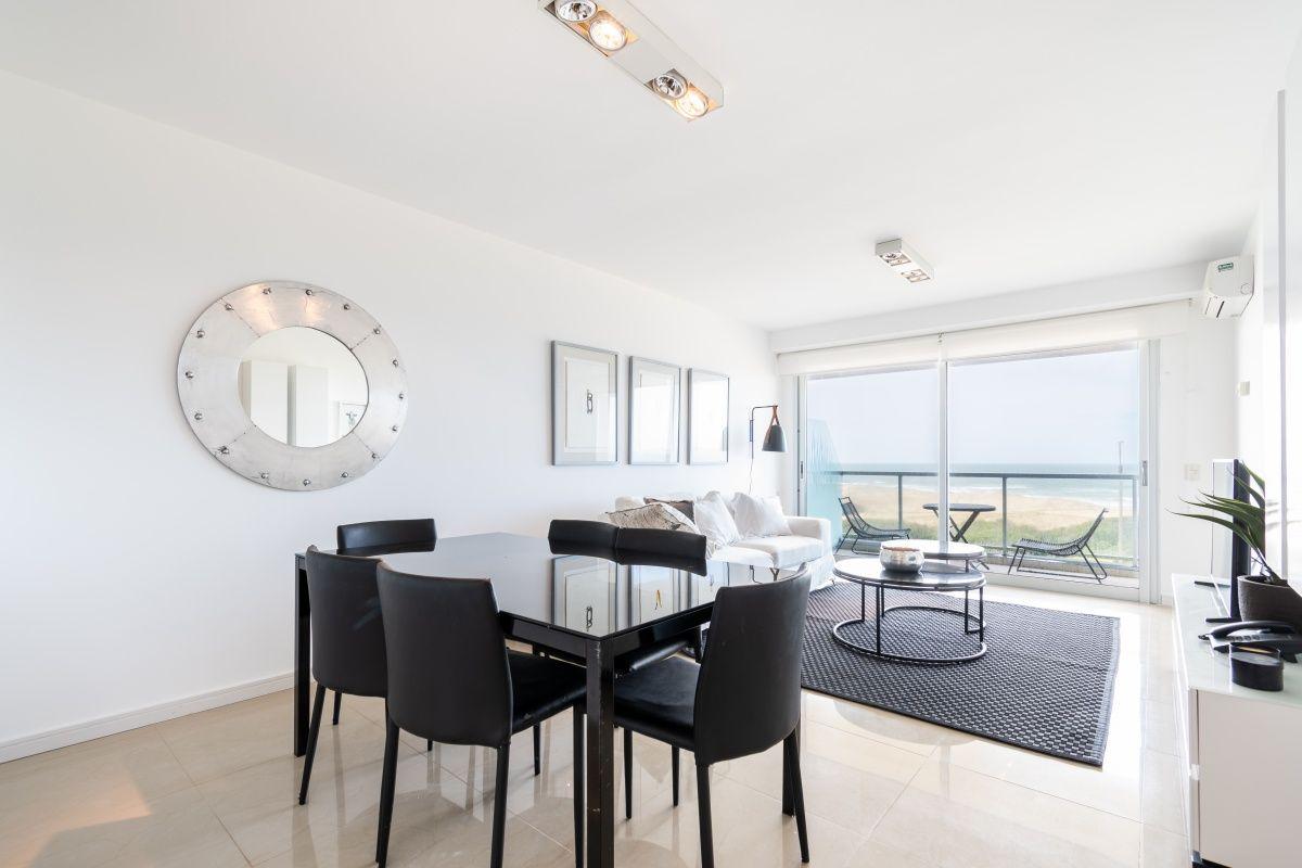 Apartamento ID.3246 - Apartamento de Tres dormitorios en suite en Venta con Vista el Mar en Primera Línea Playa Brava