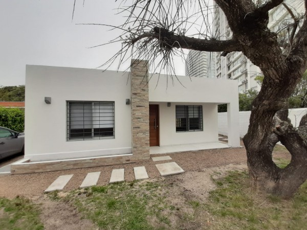 Casa Venta o Alquiler en Punta del Este Mansa de 2 Dormitorios