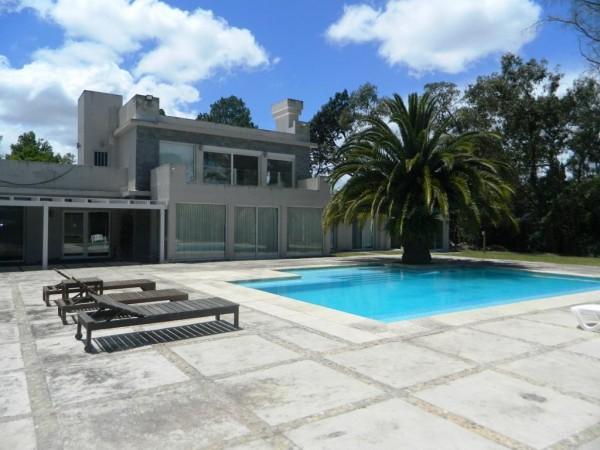 Casa Venta o Alquiler en Punta del Este Golf de 4 Dormitorios