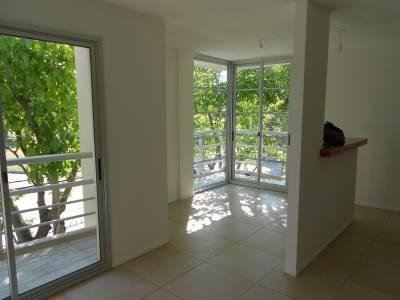 Venta apartamento con RENTA, ideal Inversión, próximo a Nuevo centro Shopping