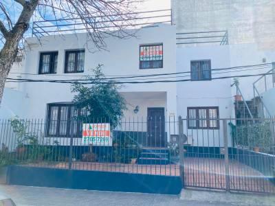 Venta Casa Pocitos, 3 dormitorios y Garage Próximo al Ombú de Bulevar España
