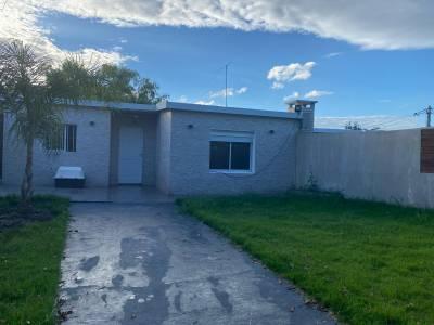 Venta 2 casas en un mismo padrón en Carrasco Norte