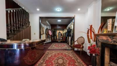 Local comercial ideal para negocio con vivienda!