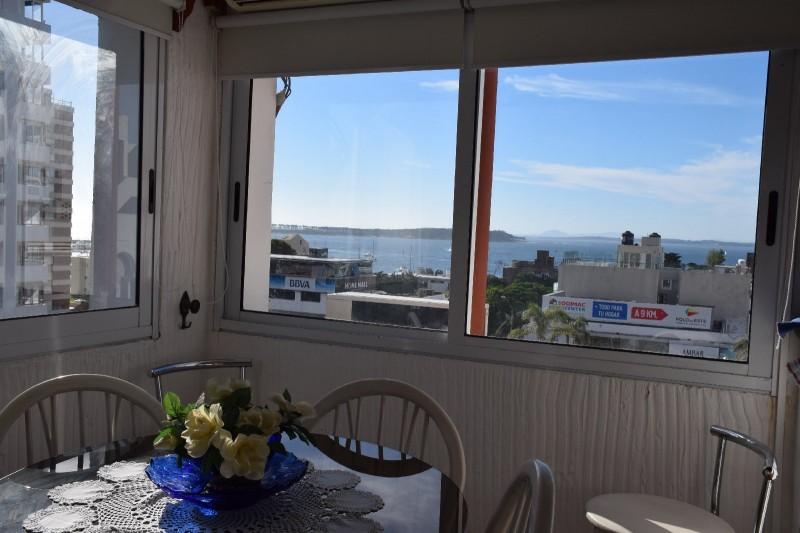 apartamento 1 dormitorio Alquiler anual en Península, con vista al mar